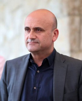 سيمون أبي رميا: لم نتخذ أي قرار رسمي بشأن مرشحنا لرئاسة الحكومة