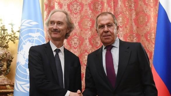 الخارجية الروسية: لافروف ناقش مع بيدرسن عمل اللجنة الدستورية السورية