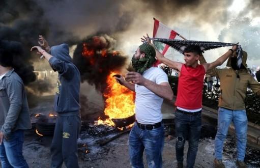 Anger, pressure return to streets across Lebanon