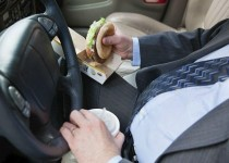 eating-while-driving-429846