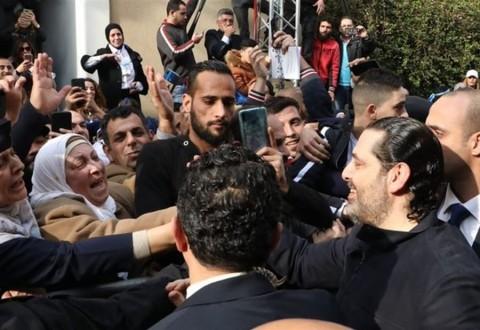 """الحريري وسط الحشود في """"بيت الوسط"""""""