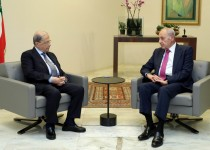 aoun-berry-at-baabda-meeting7