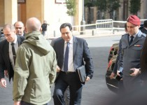 prime-minister-hassan-diab-came-to-the-parliament