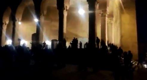 عودة الهدوء الى ساحة الشهداء بعد إشكال أمام جامع الأمين