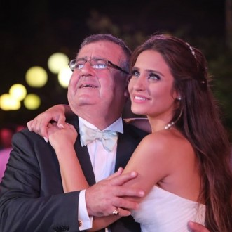 """في عيد ميلاد والدها.. """"إيميه صياح"""" تستذكر طفولتها"""