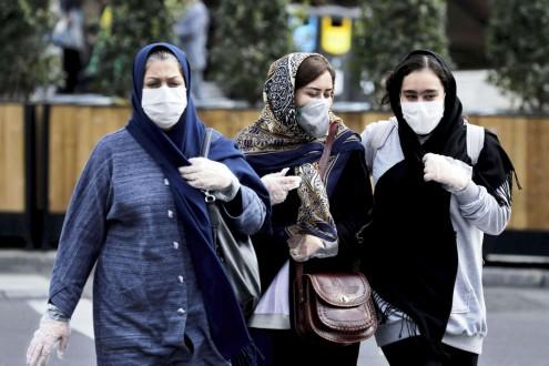 إيران تبدأ حظر السفر بين المدن وتمدد إغلاق المدارس والجامعات